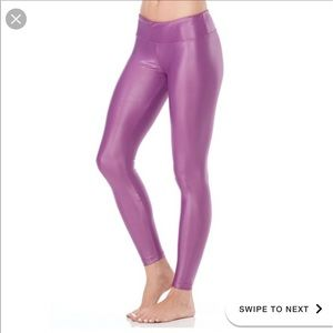 Like new KORAL metallic violet leggings